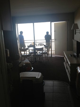 Marjac Suites: view from entrance