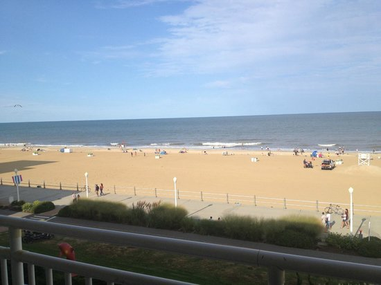 Marjac Suites Virginia Beach Oceanfront : view from balcony