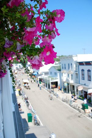 Main Street Inn and Suites: View from balcony