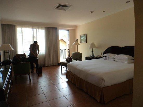 DoubleTree by Hilton Hotel Cariari San Jose: Habitacion comoda, cama exquisita