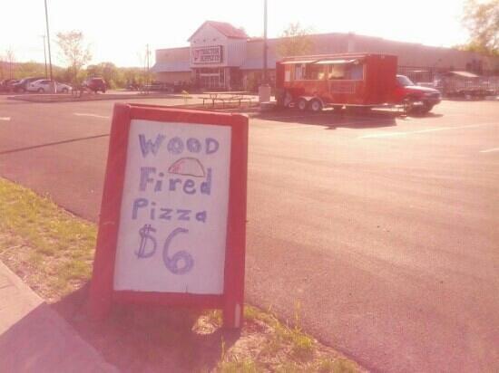 Mangia Macrina's Wood Fired Pizza : $6 Wood Fired Pizza