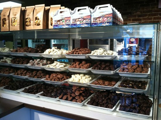 Fantastic Fudge : Lots to choose from.