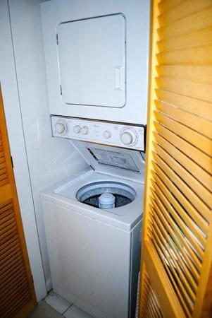 Ocean Pointe Suites at Key Largo: Washer/dryer