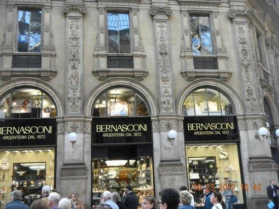 Luxury Stores Foto De Galleria Vittorio Emanuele Ii Milao