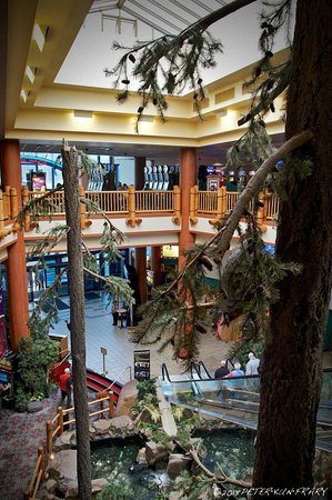 Chinook Winds Casino Resort: Rare photo of the casino interior. They don't seem to like photography.