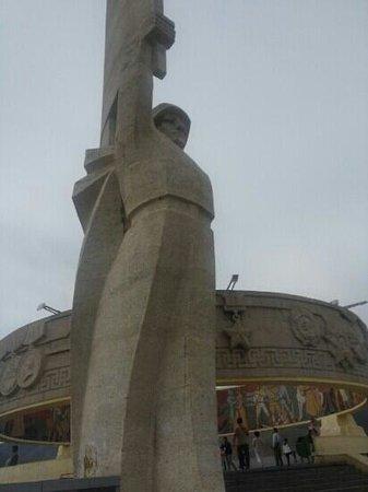 Zaisan Memorial: 자이승 전망대