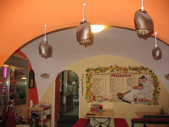 Pizzeria Peccati di Gola: The sit down part of the restaurant