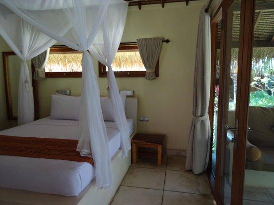 The Beach Club Hotel Gili Air: Gorgeous Bed