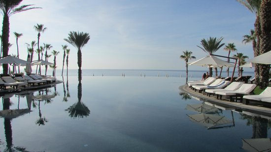 Hilton Los Cabos Beach & Golf Resort: Relaxing view of infinity and Sea of Cortez