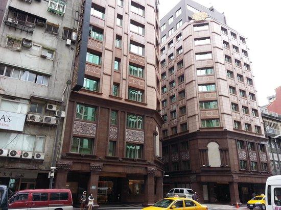 Royal Seasons Hotel Taipei Nanjing West: 本館と新館があります