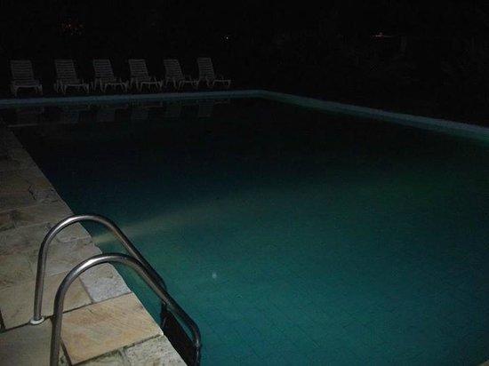 Parque Hotel Pereque: Piscina 1