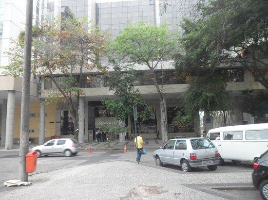 Novotel RJ Santos Dumont: Frente do Hotel
