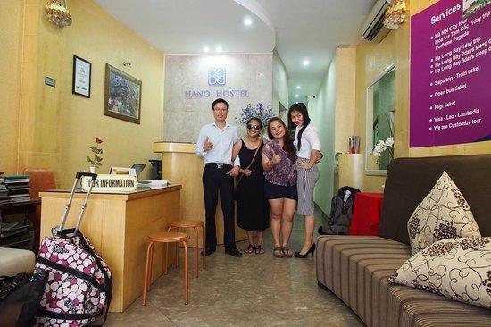 B&B Hanoi Hotel: tony and emily of bb hanoi hostel