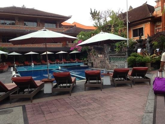 Wina Holiday Villa Hotel: the pool