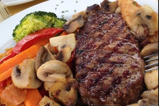 The Buccaneer : great steak!
