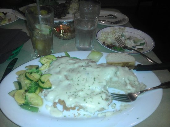Vic's Route 6 Grillhouse: chicken fried steak