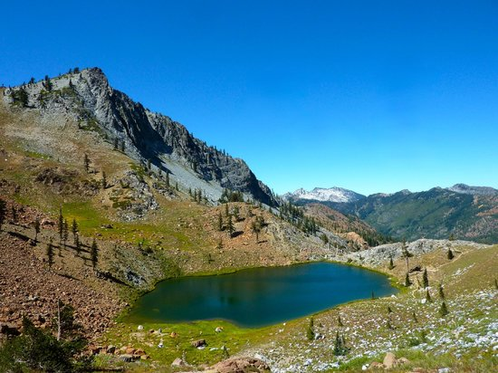 Trinity Alps: Deer Lake