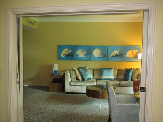 Atlantis, Royal Towers, Autograph Collection: Royal Towers west suite