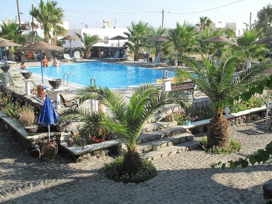 Santa Elena Hotel: view from balcony of pool area