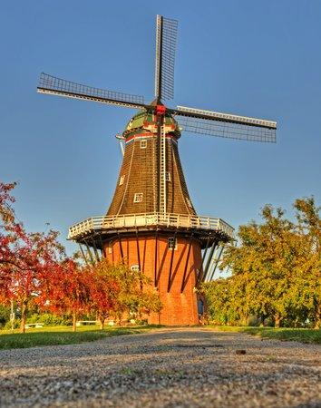 Windmill Island Gardens: De Zwaan Windmill