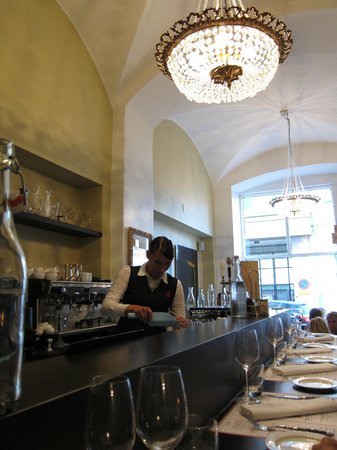 Restaurant Pastis: View from the counter