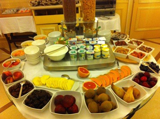 Hôtel Franklin D. Roosevelt : Café da manhã maravilhoso
