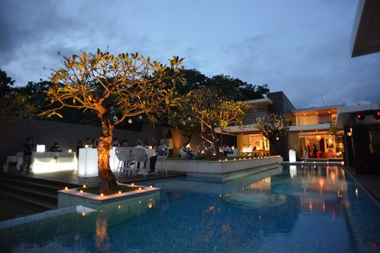Luna2 Private Hotel: Cocktails & Canapes @ Luna2