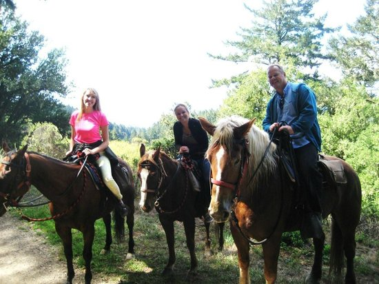 Five Brooks Stables : Taking a break for a pic