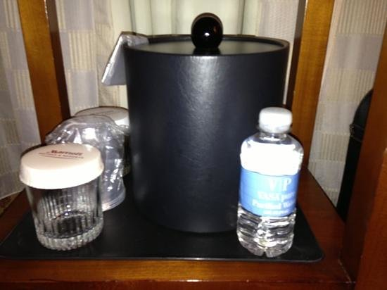 Denver Marriott City Center: That is all the water you get Broncos fans!! nothing at the desk either!