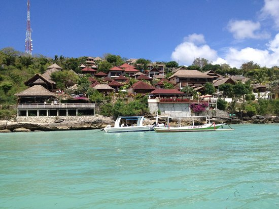 Lembongan Reef Bungalow: red roofs = LRB