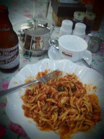 Tartaruga's Hotel and Pagudpud Yacht Club Restaurant: Yummy pasta!