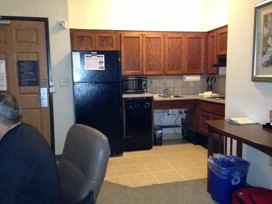 Staybridge Suites Columbus Ft. Benning: view of kitchen from living room