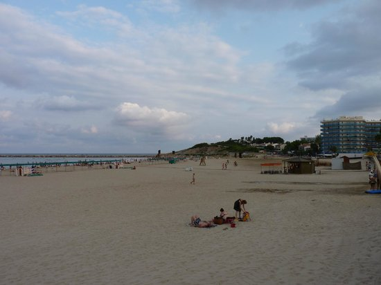 Playa de la Pineda: La Pineda Beach in the evening