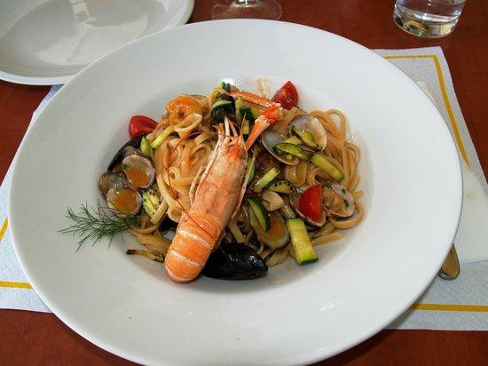 Gostilna Sergij: Marvelous seafood bavette by chef Tomaž ...