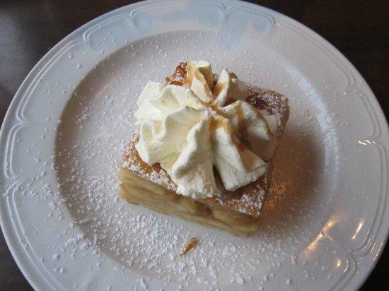 Kingfisher Townhouse: apple pie!!! Squisita!