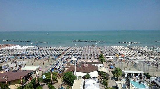 Hotel Lungomare: Panorama dalla camera.....