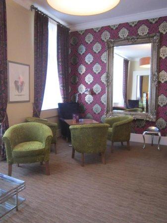The Fleet Street Hotel: Salottino