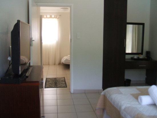 Ridgesea Guest House: Family Room