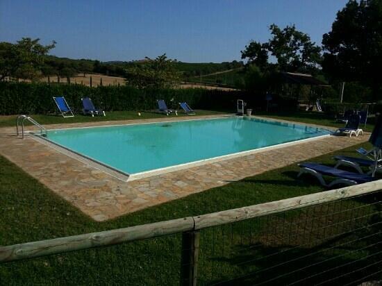 Agriturismo I Puntoni : la piscina