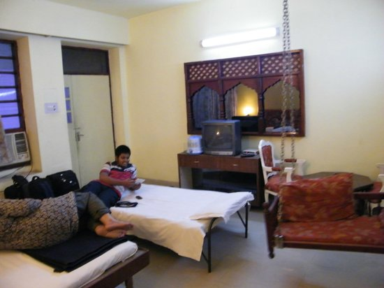 Airlines Hotel: ROOM