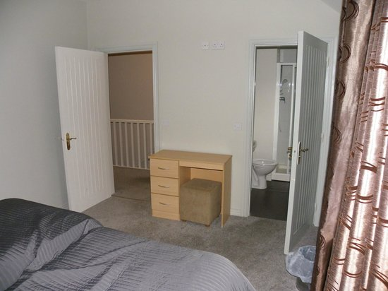 Castle Gardens Holiday Homes: chambre