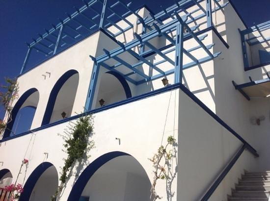 Artemis Hotel: retro piscina zona colazione