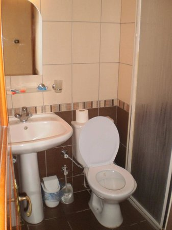Sami Beach Hotel: Bathroom