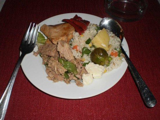 Sami Beach Hotel: Food / Dinner