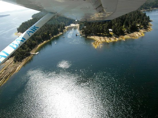 Pat Bay Air Floatplane Tours: Island view 1