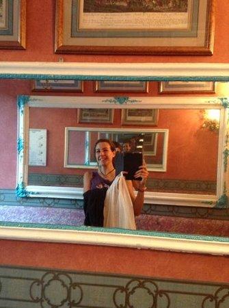 Hotel de Nice: L'entrata dell'hotel