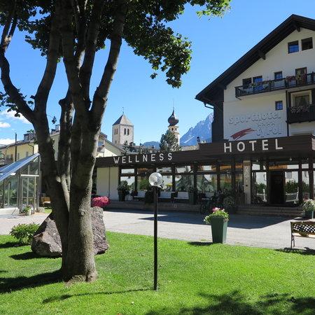 Sporthotel Tyrol Dolomiti: Ingresso