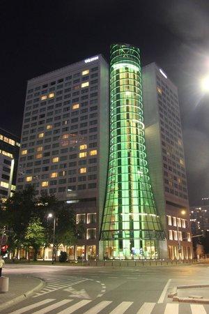 The Westin Warsaw: Hotel Westin from street site