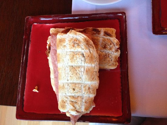Rio Hermoso Hotel de Montana: Tostados no café da manhã