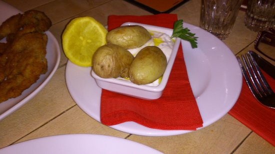 Restaurant Schnitzelei: baked potato and sour cream